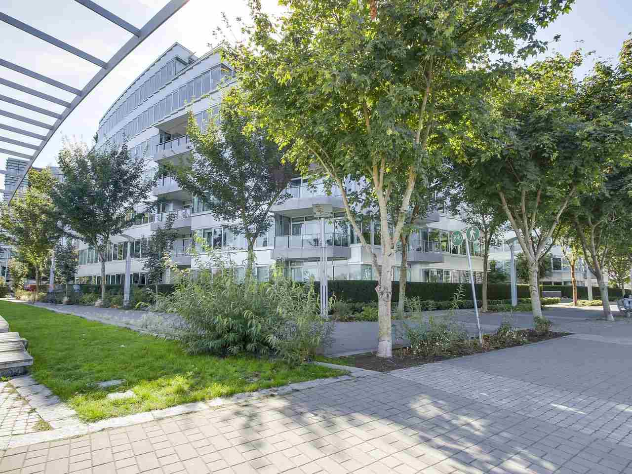 "Main Photo: 102 151 ATHLETES Way in Vancouver: False Creek Condo for sale in ""CANADA HOUSE"" (Vancouver West)  : MLS® # R2207557"