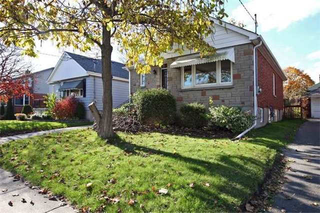 Main Photo: Main 50 S Wilson Road in Oshawa: Central House (Bungalow) for lease : MLS®# E3980743