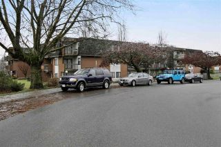 Main Photo: 213 33870 FERN Street in Abbotsford: Central Abbotsford Condo for sale : MLS® # R2231970