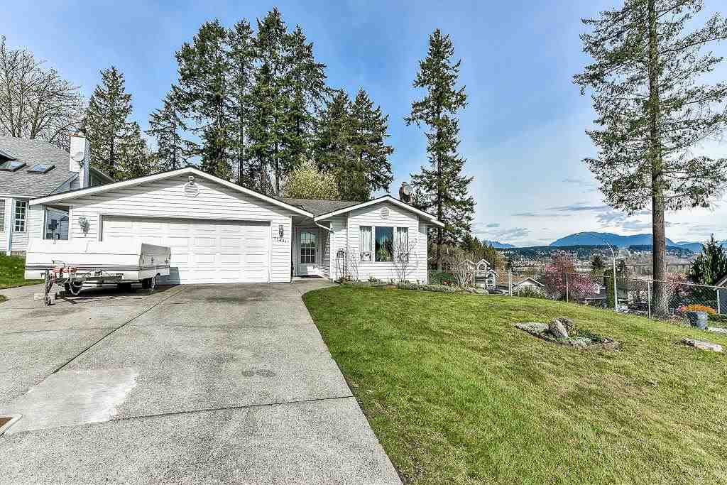 "Main Photo: 11491 WELLINGTON Crescent in Surrey: Bolivar Heights House for sale in ""wellington terrace"" (North Surrey)  : MLS®# R2254675"