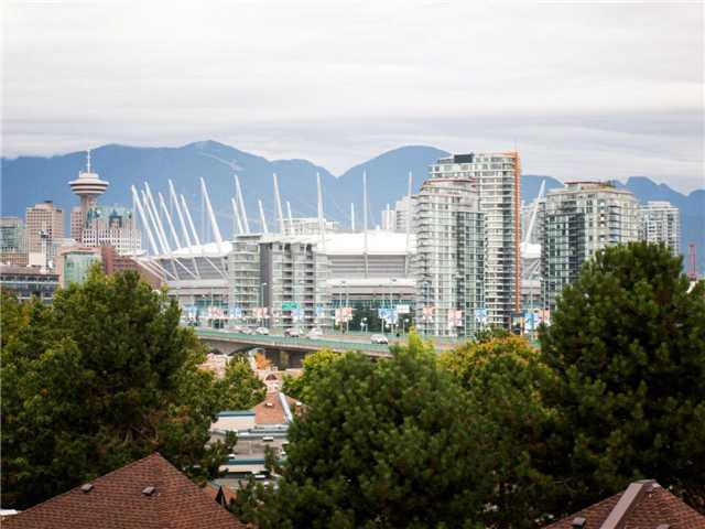 Main Photo: 714 518 MOBERLY Road in Vancouver: False Creek Condo for sale (Vancouver West)  : MLS®# V988331