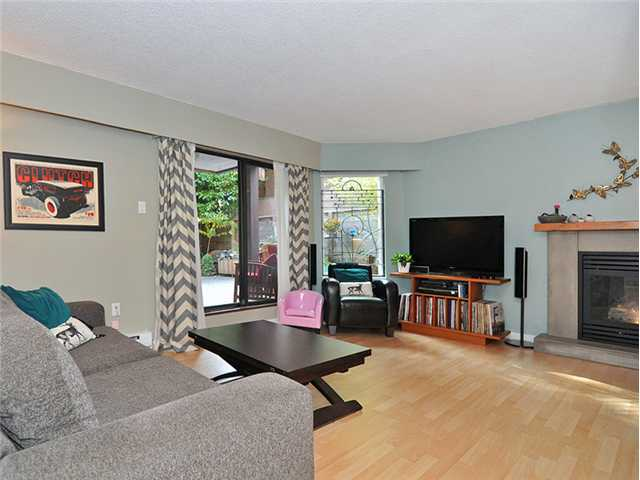 "Photo 3: 106 2355 TRINITY Street in Vancouver: Hastings Condo for sale in ""TRINITY APARTMENTS"" (Vancouver East)  : MLS(r) # V1032517"