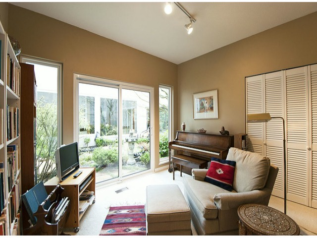 Photo 11: 12641 OCEAN CLIFF Drive in Surrey: Crescent Bch Ocean Pk. House for sale (South Surrey White Rock)  : MLS® # F1411240