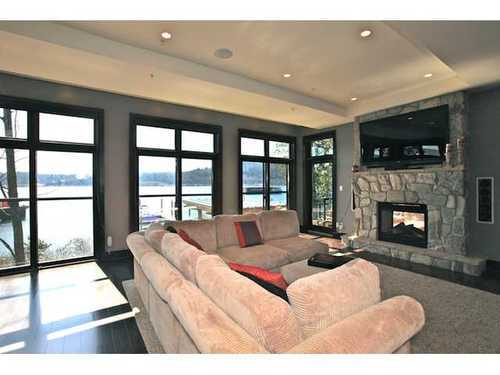 Photo 3: 3763 DOLLARTON Highway in North Vancouver: Roche Point Home for sale ()  : MLS® # V998593