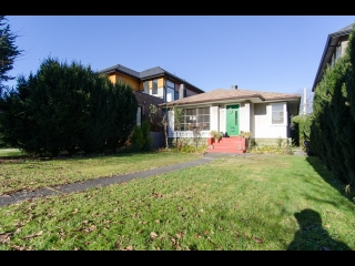 "Main Photo: 3941 W 20TH Avenue in Vancouver: Dunbar House for sale in ""Dunbar"" (Vancouver West)  : MLS(r) # R2017825"