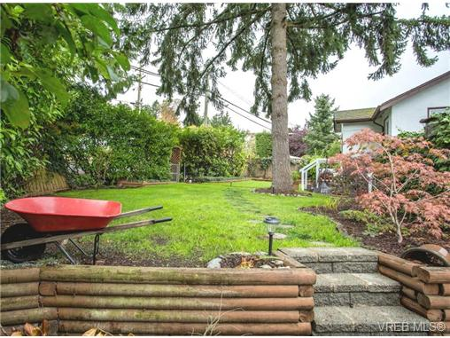 Photo 19: 324 Island Highway in VICTORIA: VR View Royal Single Family Detached for sale (View Royal)  : MLS® # 360203