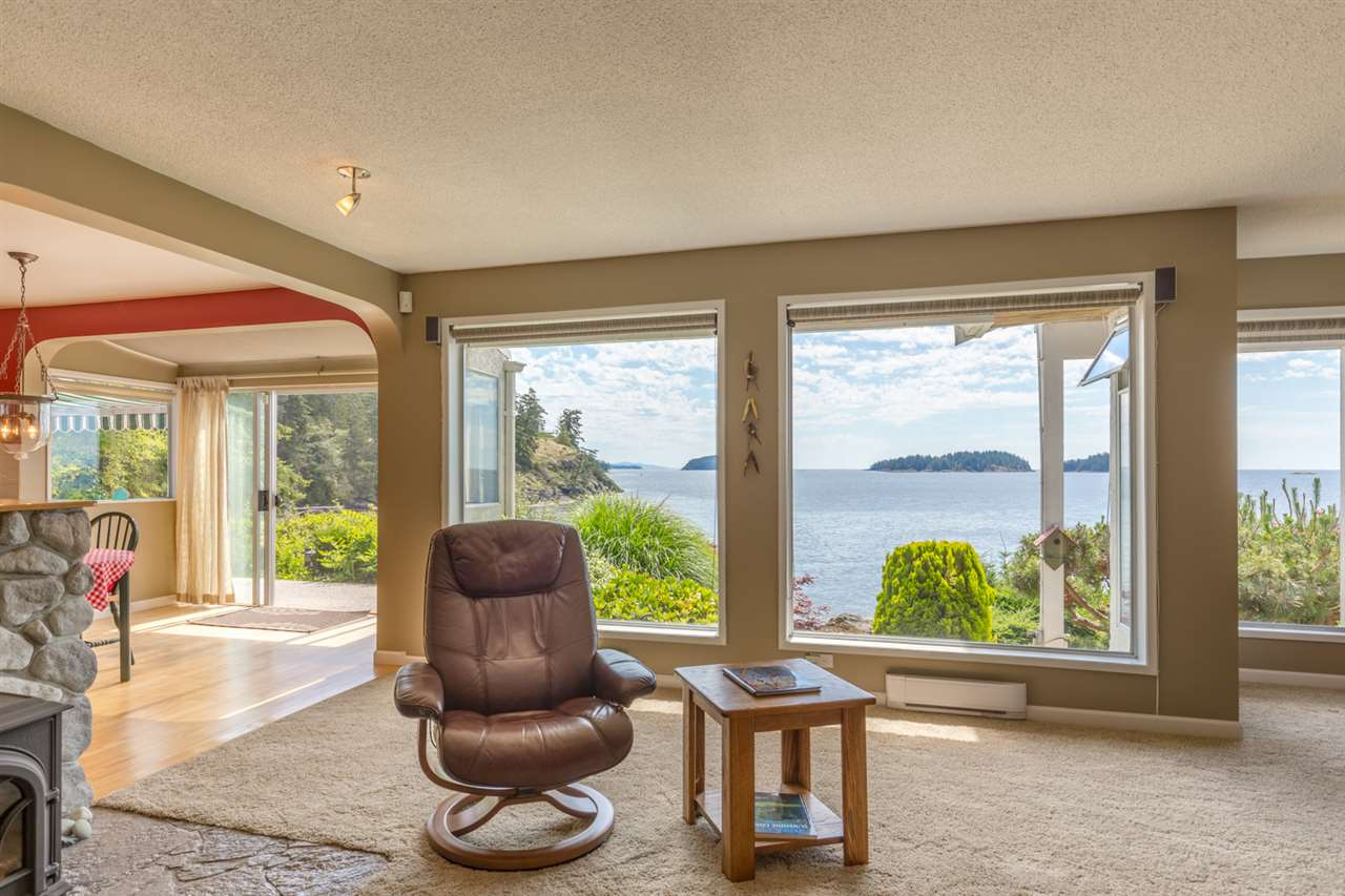 "Photo 6: Photos: 5504 HILL Road in Sechelt: Sechelt District House for sale in ""CALETA ESTATES"" (Sunshine Coast)  : MLS® # R2085273"