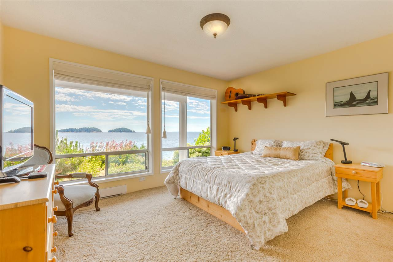 "Photo 11: Photos: 5504 HILL Road in Sechelt: Sechelt District House for sale in ""CALETA ESTATES"" (Sunshine Coast)  : MLS® # R2085273"
