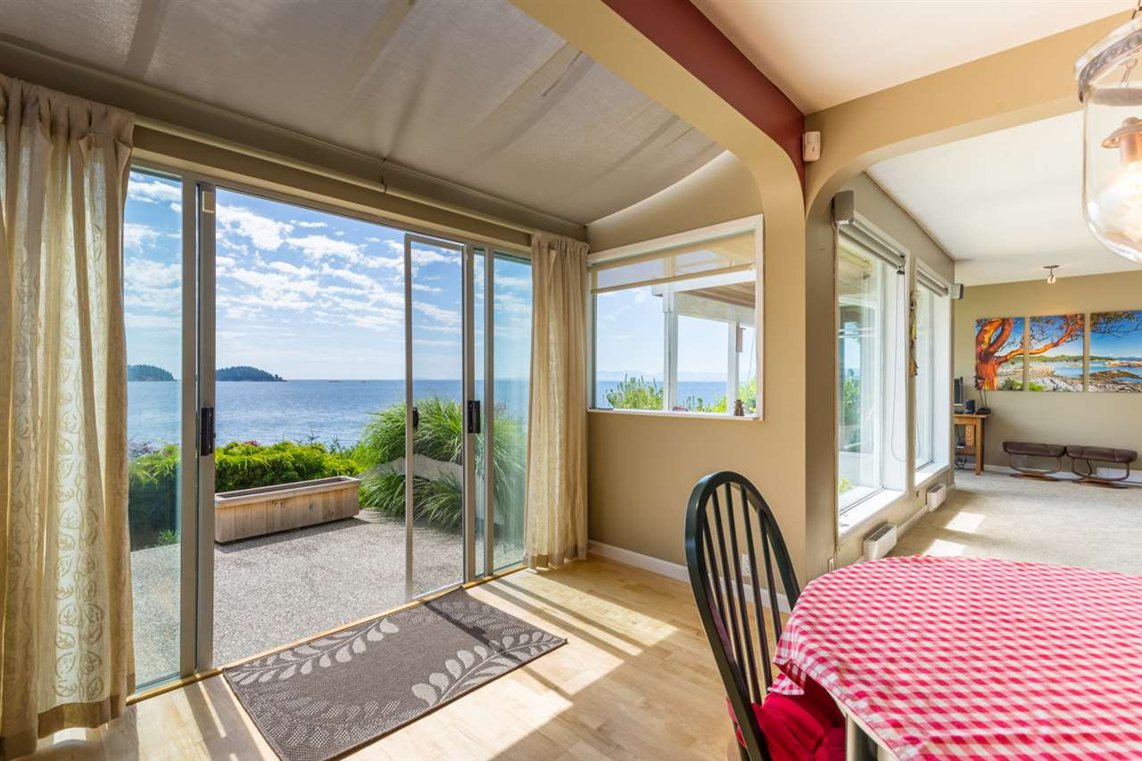 "Photo 7: Photos: 5504 HILL Road in Sechelt: Sechelt District House for sale in ""CALETA ESTATES"" (Sunshine Coast)  : MLS® # R2085273"