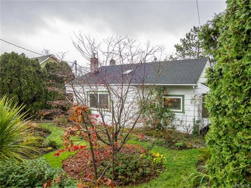 Main Photo: 915 Forshaw Road in VICTORIA: Es Kinsmen Park Single Family Detached for sale (Esquimalt)  : MLS®# 372465