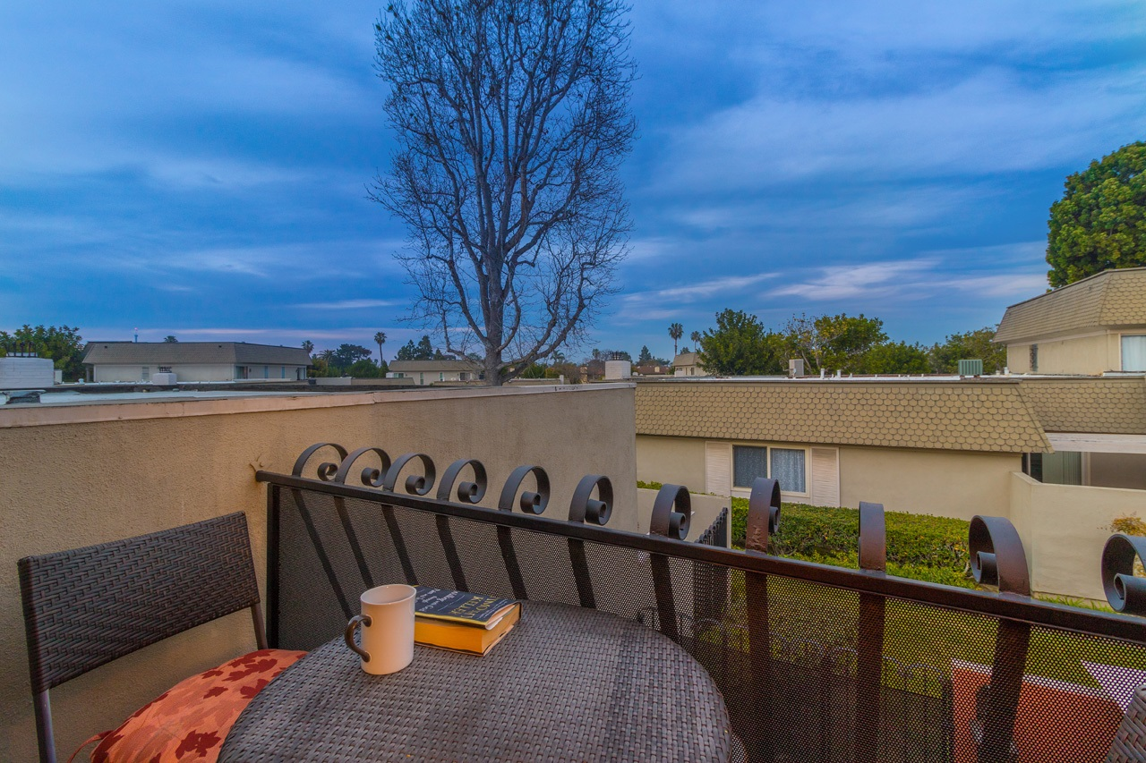 Photo 3: POINT LOMA Condo for sale : 2 bedrooms : 3005 Orleans East in San Diego