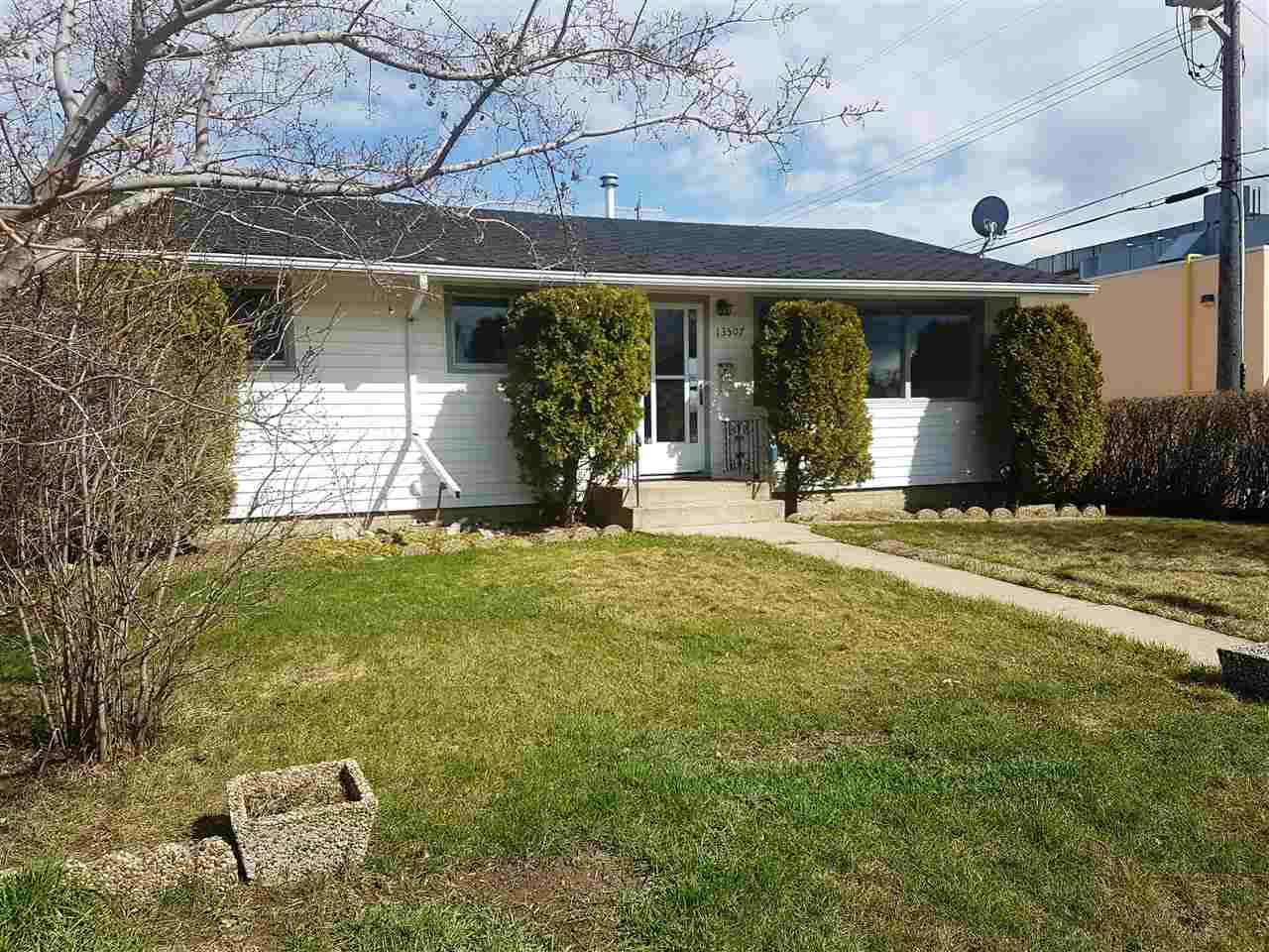 Main Photo: 13507 126 Street in Edmonton: Zone 01 House for sale : MLS(r) # E4062205