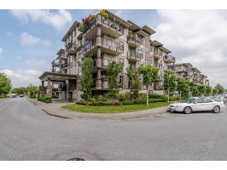 "Main Photo: 401 9060 BIRCH Street in Chilliwack: Chilliwack W Young-Well Condo for sale in ""THE ASPEN GROVE"" : MLS(r) # R2165217"