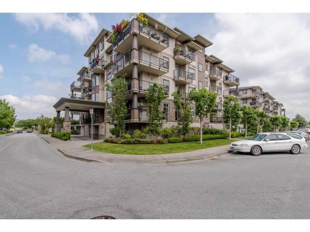 "Main Photo: 401 9060 BIRCH Street in Chilliwack: Chilliwack W Young-Well Condo for sale in ""THE ASPEN GROVE"" : MLS® # R2165217"