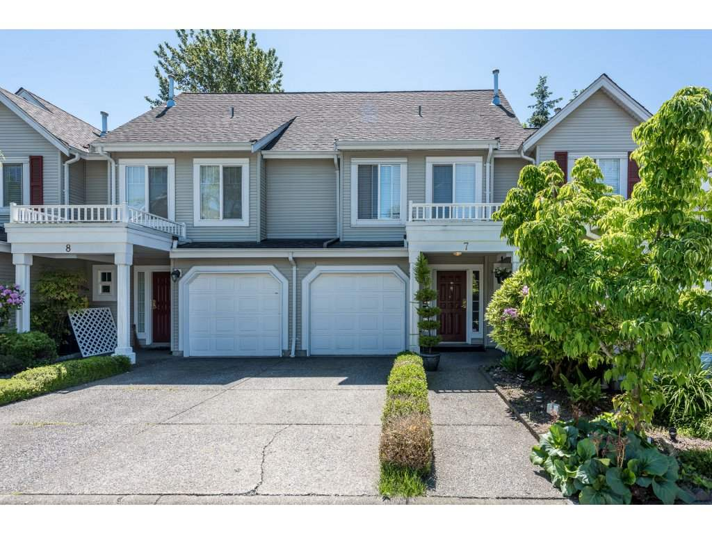"Main Photo: 7 13499 92 Avenue in Surrey: Queen Mary Park Surrey Townhouse for sale in ""Chatham Lane"" : MLS®# R2173924"