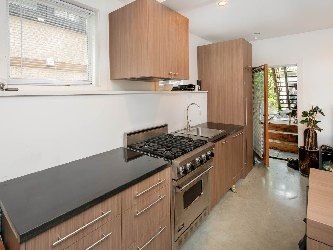 Photo 17: 880 KEEFER Street in Vancouver: Mount Pleasant VE House for sale (Vancouver East)  : MLS® # R2176389