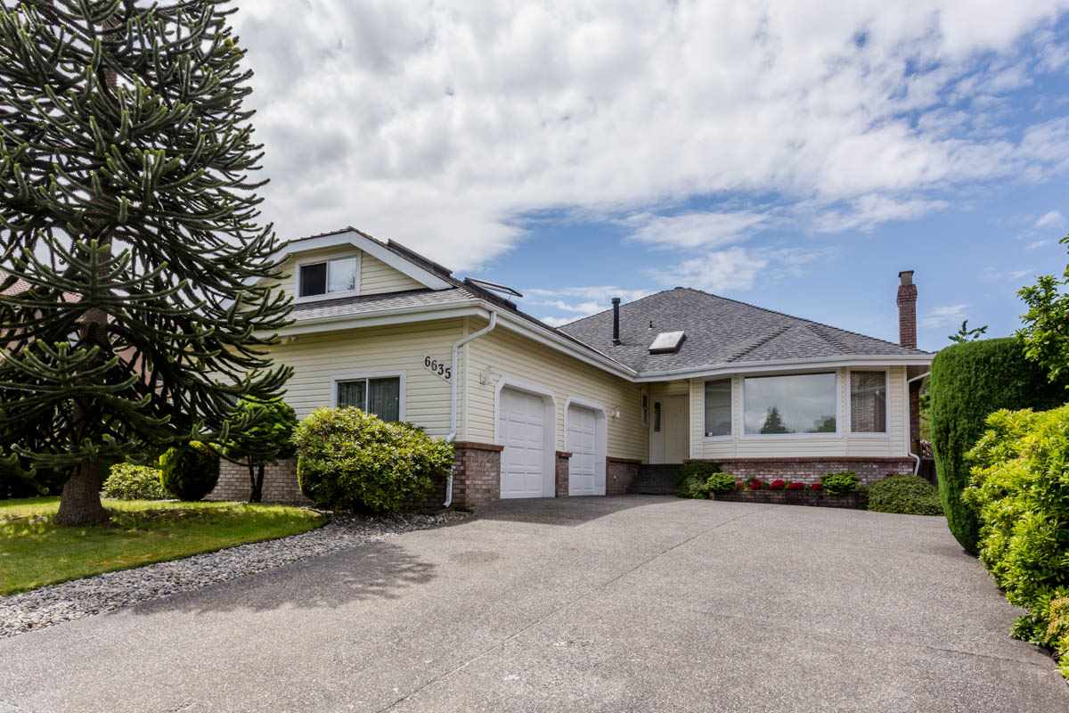 Photo 1: 6635 122 Street in Surrey: West Newton House for sale : MLS® # R2180270