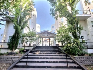Main Photo: 411 10717 83 Avenue in Edmonton: Zone 15 Condo for sale : MLS(r) # E4070455