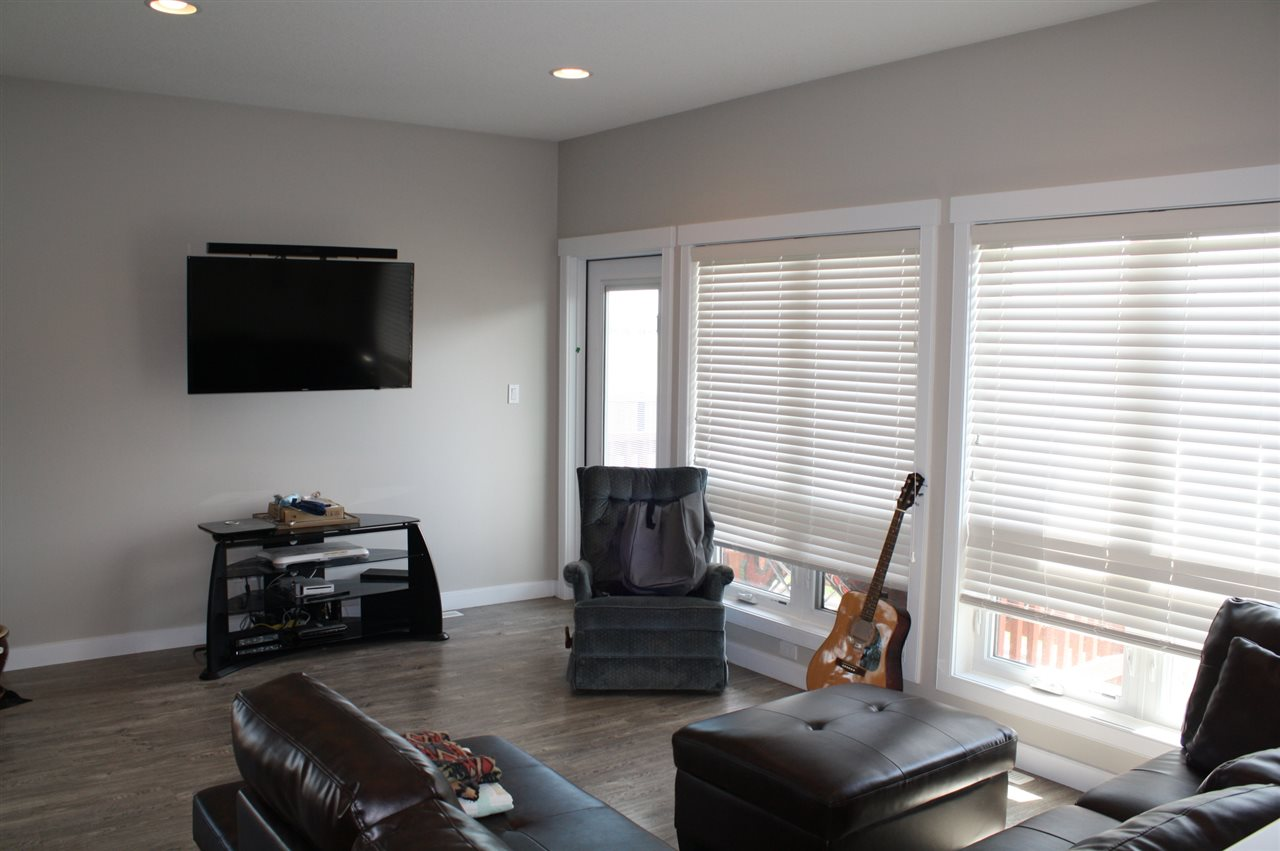 Photo 3: 1604 GRAYBRIAR Green: Stony Plain Townhouse for sale : MLS® # E4071409