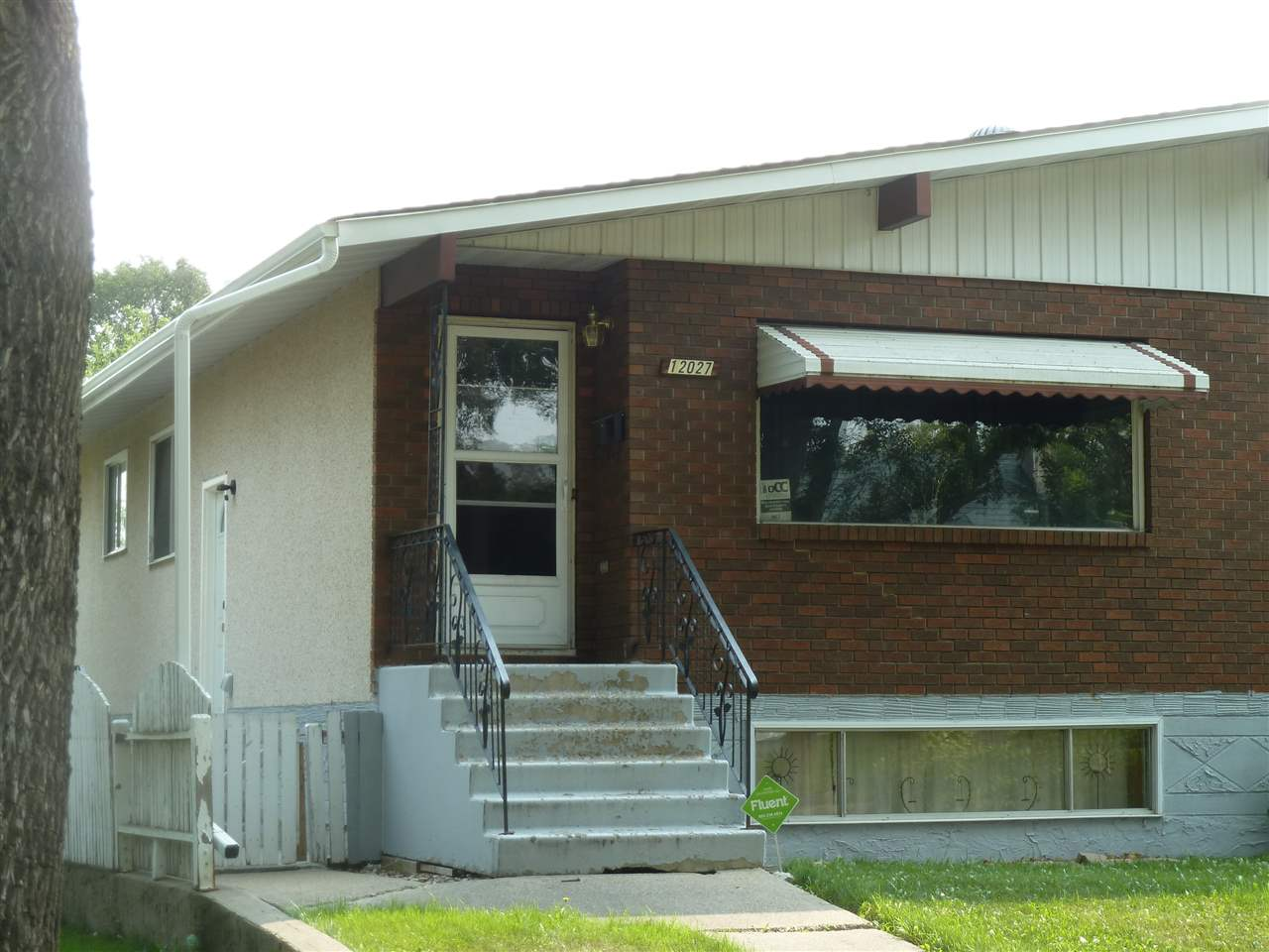 Main Photo: 12027 85 Street NW in Edmonton: Zone 05 House Half Duplex for sale : MLS® # E4077869