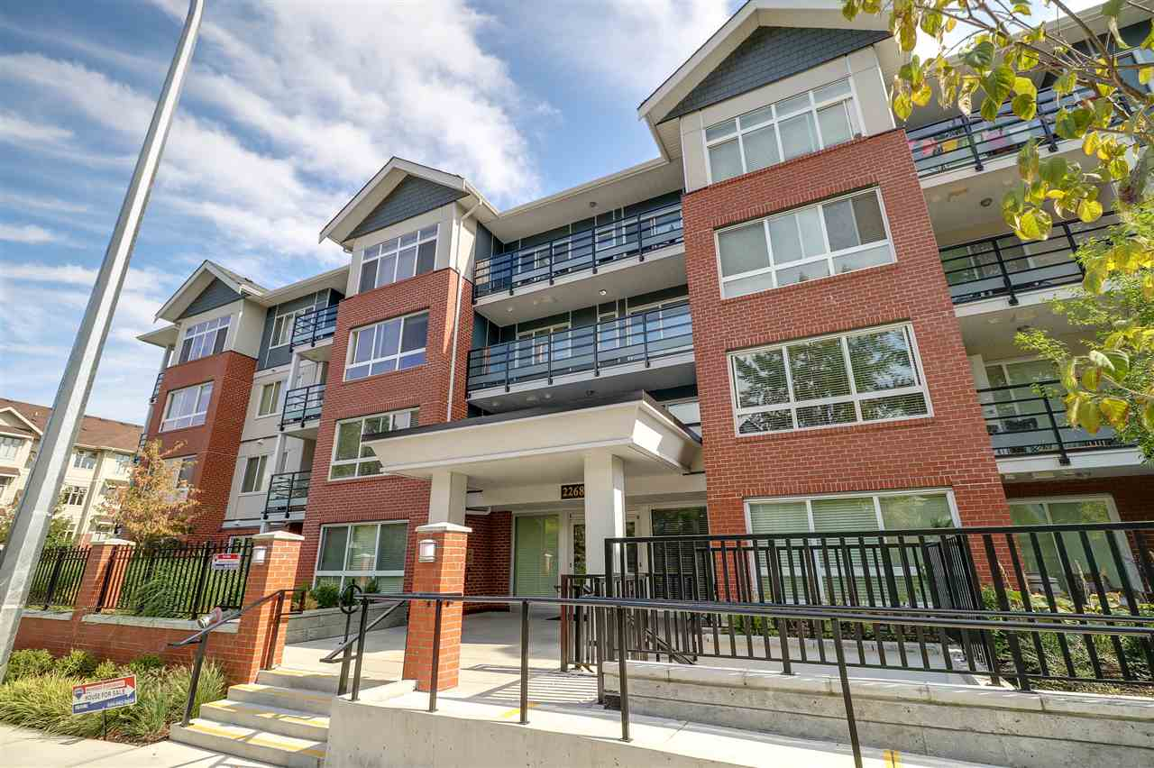 "Main Photo: 209 2268 SHAUGHNESSY Street in Port Coquitlam: Central Pt Coquitlam Condo for sale in ""UPTOWN POINTE"" : MLS® # R2208998"