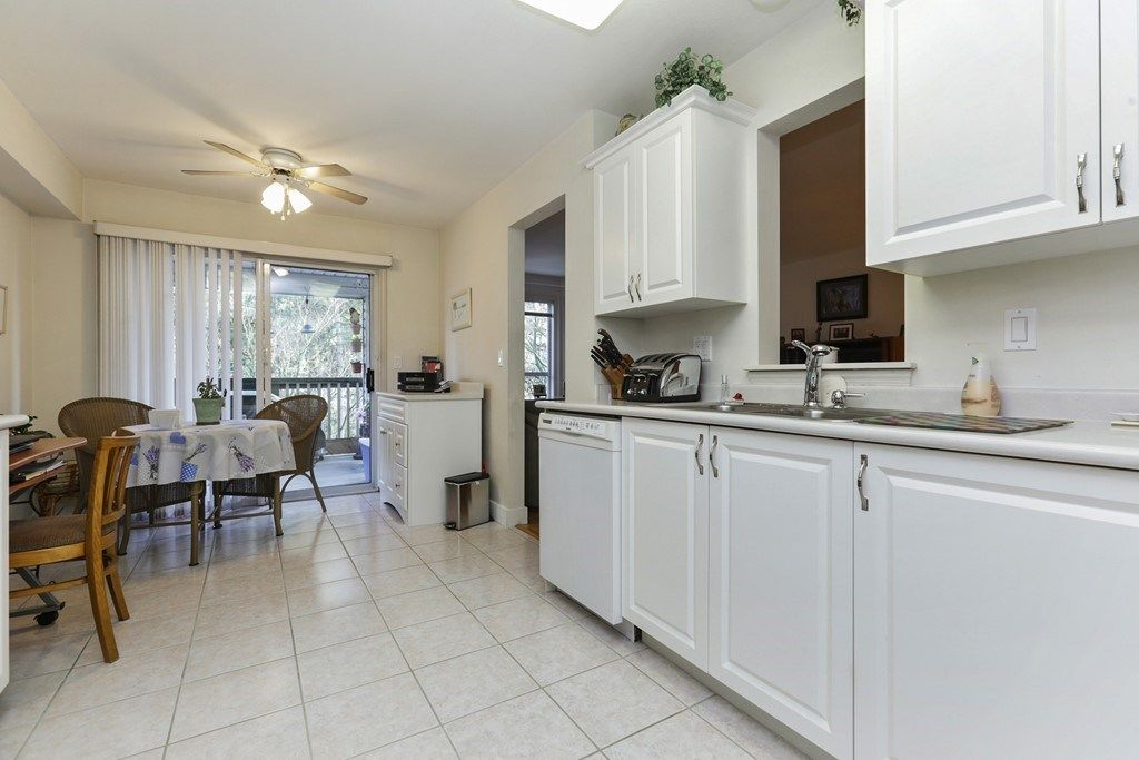 "Photo 9: Photos: 205 1150 LYNN VALLEY Road in North Vancouver: Lynn Valley Condo for sale in ""The Laurels"" : MLS® # R2245037"