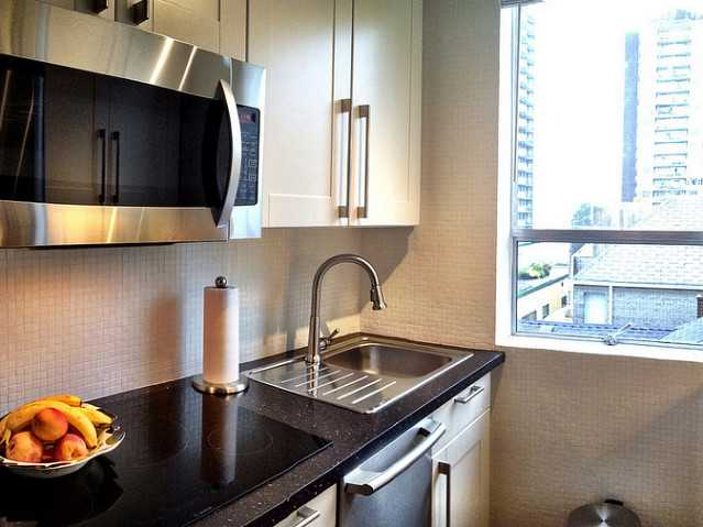 "Photo 2: 402 1534 HARWOOD Street in Vancouver: West End VW Condo for sale in ""St. Pierre"" (Vancouver West)  : MLS® # V1041614"