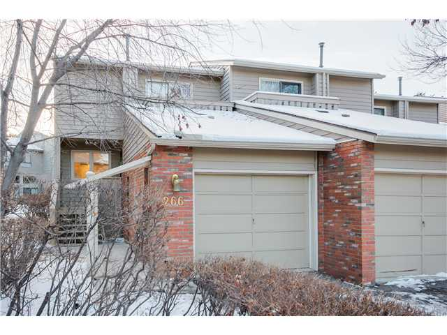 Main Photo: 266 POINT MCKAY Terrace NW in Calgary: Point McKay Townhouse for sale : MLS®# C3644091