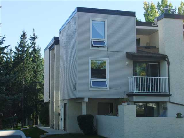 Main Photo: 206 13104 ELBOW Drive SW in Calgary: Canyon Meadows Townhouse for sale : MLS®# C3586785