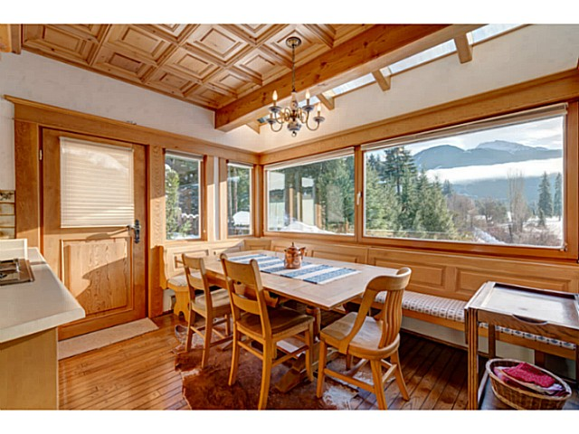 "Photo 10: 6590 BALSAM Way in Whistler: Whistler Cay Estates House for sale in ""WHISTLER CAY"" : MLS® # V1100023"
