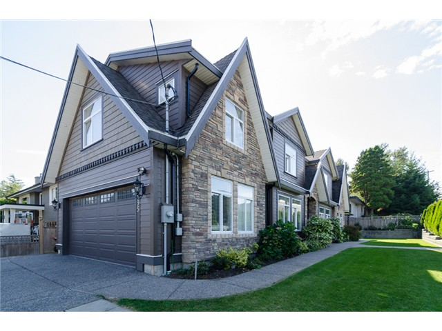 Main Photo: 1595 KEIL Street: White Rock House for sale (South Surrey White Rock)  : MLS® # F1433703