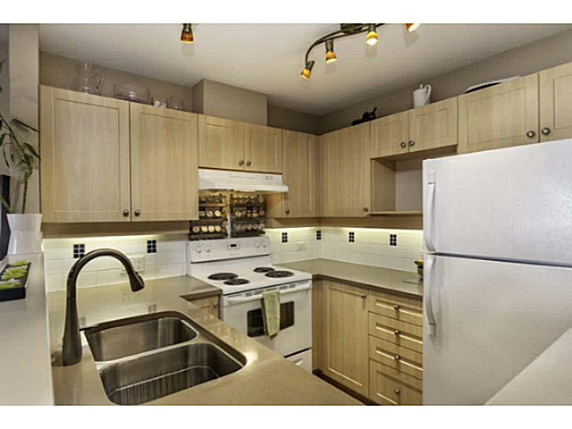 "Photo 7: 36 7179 18TH Avenue in Burnaby: Edmonds BE Condo for sale in ""Canford Corner"" (Burnaby East)  : MLS® # V1131767"