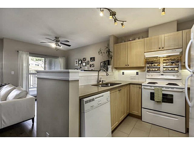 "Photo 5: 36 7179 18TH Avenue in Burnaby: Edmonds BE Condo for sale in ""Canford Corner"" (Burnaby East)  : MLS® # V1131767"