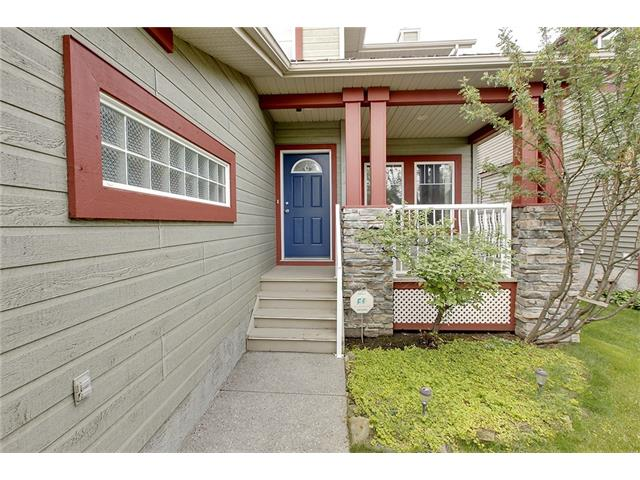 Photo 3: 19 HIDDEN CREEK Green NW in Calgary: Hidden Valley House for sale : MLS(r) # C4047943