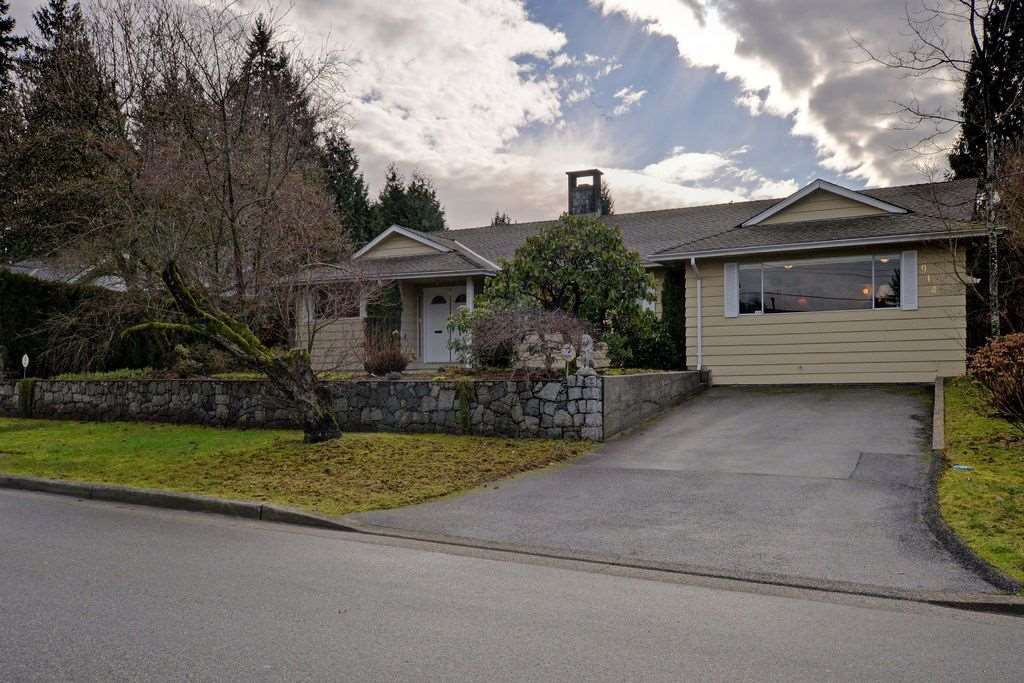 "Main Photo: 914 RUNNYMEDE Avenue in Coquitlam: Coquitlam West House for sale in ""COQUITLAM WEST"" : MLS® # R2032376"