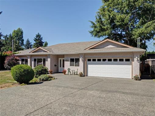 Main Photo: 4564 Viewmont Avenue in VICTORIA: SW Royal Oak Single Family Detached for sale (Saanich West)  : MLS® # 372646