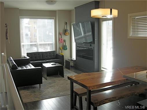 Photo 2: 107 2726 Peatt Road in VICTORIA: La Langford Proper Townhouse for sale (Langford)  : MLS(r) # 374584