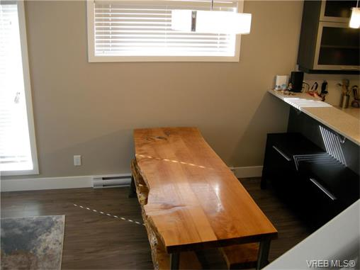 Photo 4: 107 2726 Peatt Road in VICTORIA: La Langford Proper Townhouse for sale (Langford)  : MLS(r) # 374584