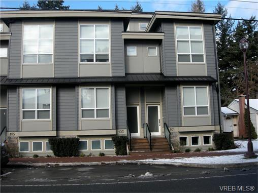 Photo 1: 107 2726 Peatt Road in VICTORIA: La Langford Proper Townhouse for sale (Langford)  : MLS(r) # 374584