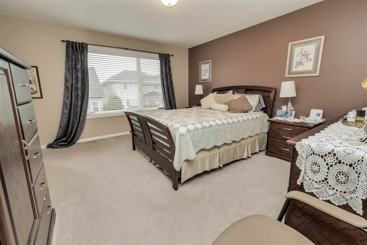 Photo 10: 118 Hayward Crescent in Edmonton: Zone 14 House for sale : MLS(r) # E4067230