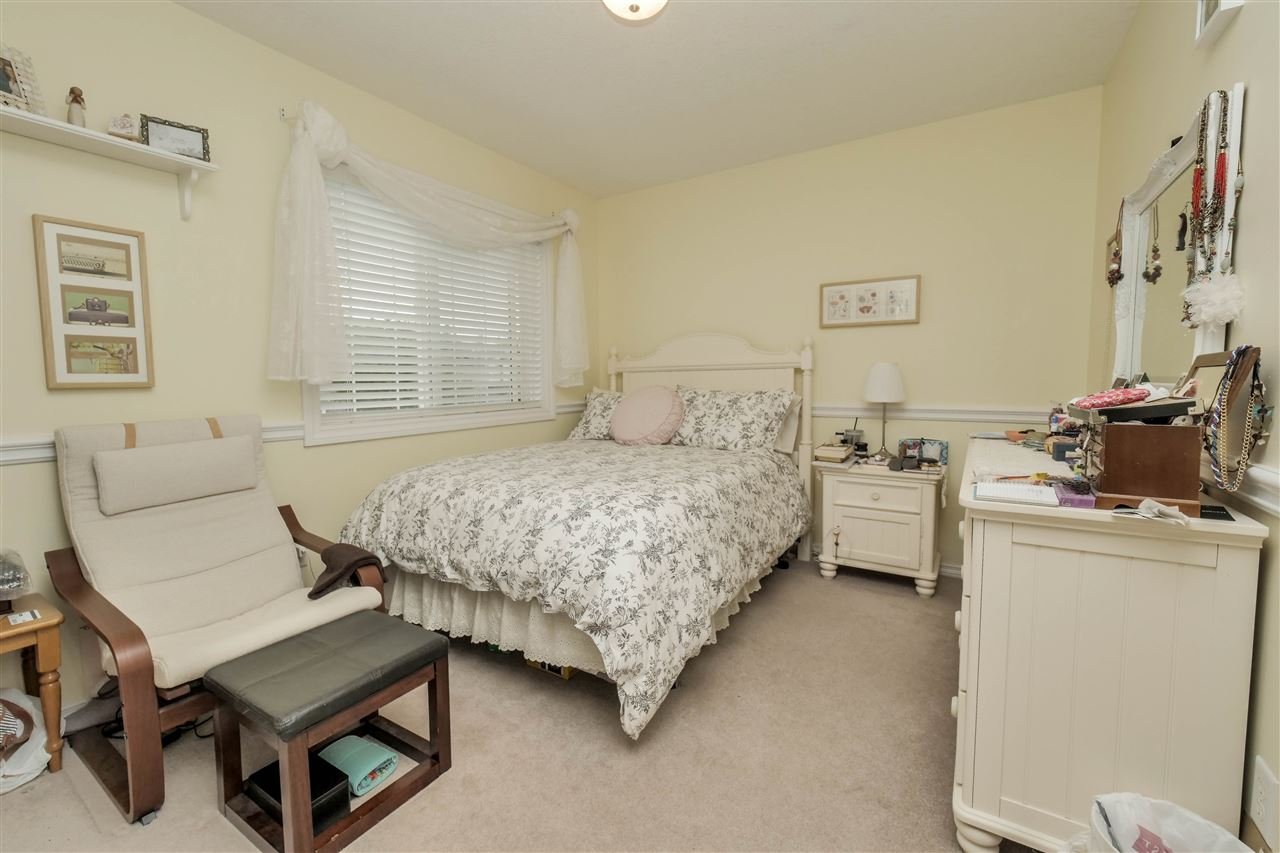 Photo 18: 118 Hayward Crescent in Edmonton: Zone 14 House for sale : MLS(r) # E4067230