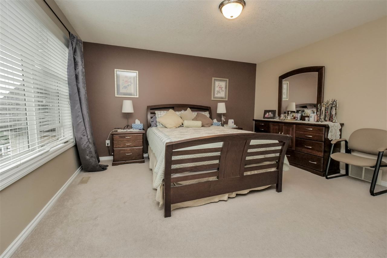 Photo 11: 118 Hayward Crescent in Edmonton: Zone 14 House for sale : MLS(r) # E4067230