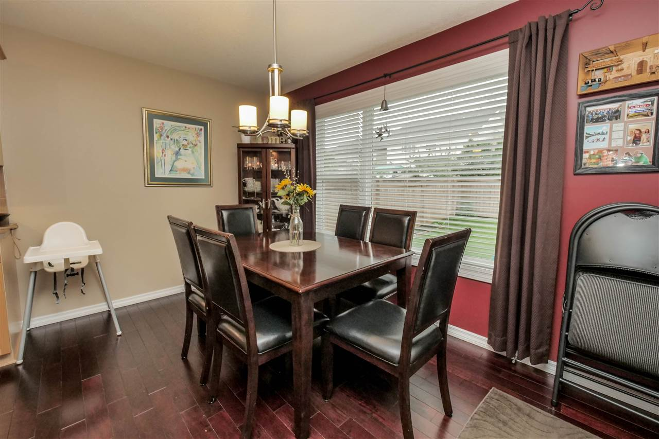 Photo 7: 118 Hayward Crescent in Edmonton: Zone 14 House for sale : MLS(r) # E4067230
