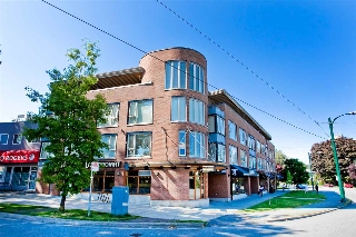 "Main Photo: 310 3089 OAK Street in Vancouver: Fairview VW Condo for sale in ""THE OAKS"" (Vancouver West)  : MLS(r) # R2184412"