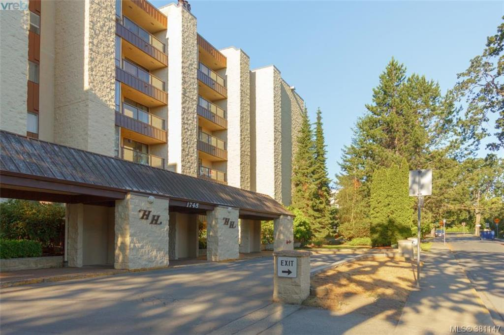Main Photo: 608 1745 Leighton Road in VICTORIA: Vi Jubilee Condo Apartment for sale (Victoria)  : MLS(r) # 381147