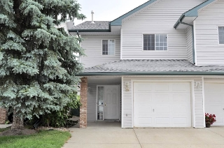 Main Photo: 28 843 YOUVILLE Drive W in Edmonton: Zone 29 Townhouse for sale : MLS® # E4075923