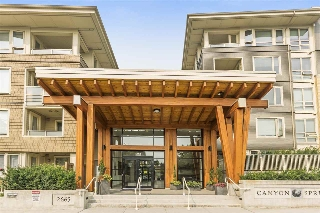 "Main Photo: 205 2665 MOUNTAIN Highway in North Vancouver: Lynn Valley Condo for sale in ""CANYON SPRINGS"" : MLS® # R2195019"