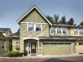 "Main Photo: 2 4887 CENTRAL Avenue in Delta: Hawthorne Townhouse for sale in ""CENTRAL PARK WEST"" (Ladner)  : MLS® # R2195811"