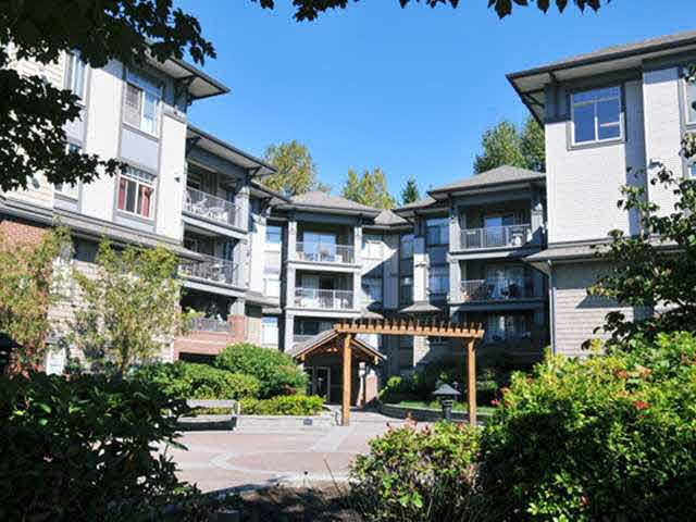 "Main Photo: 108 12020 207A Street in Maple Ridge: Northwest Maple Ridge Condo for sale in ""WESTBROOKE"" : MLS® # R2199645"