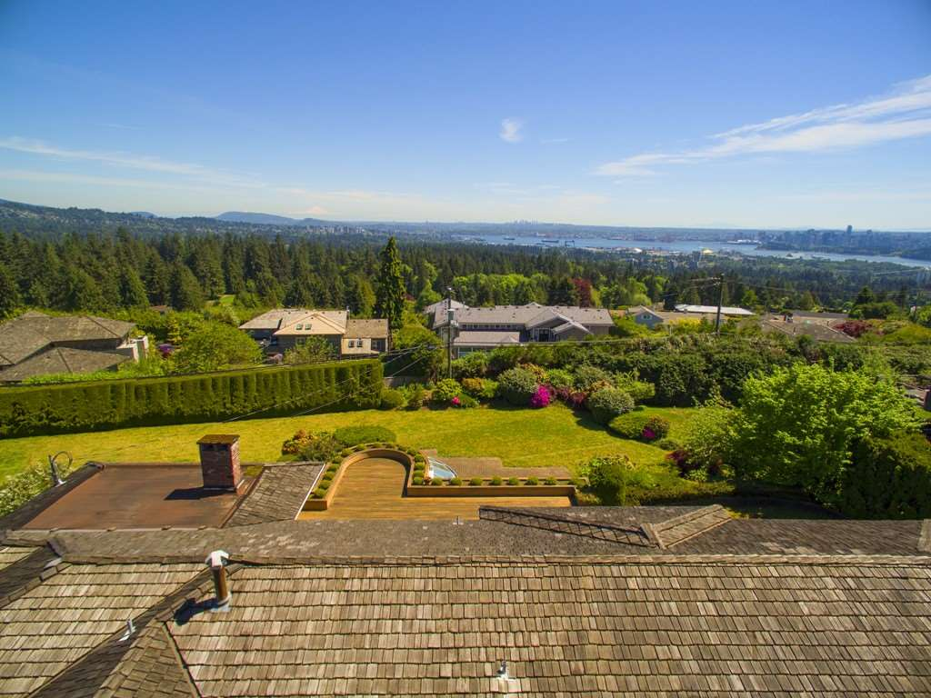 Photo 10: 875 EYREMOUNT Drive in West Vancouver: British Properties House for sale : MLS® # R2204117